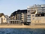 escale_oceania_st_malo with booking.com