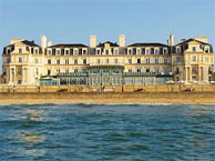 thermes-st-malo with booking.com